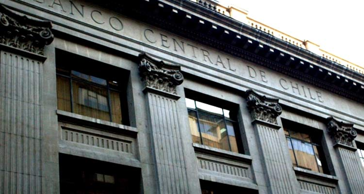 Banco Central de Chile baja tasa de interés a 2,5%